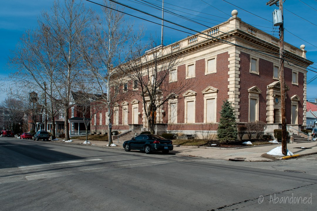 Newport Post Office
