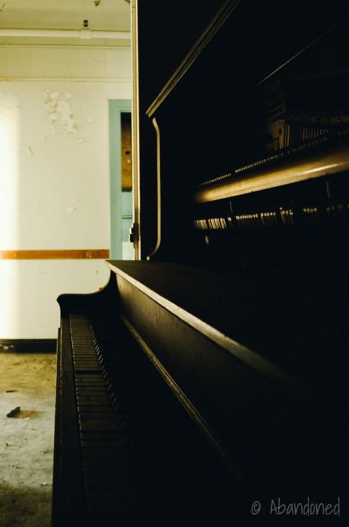 Mountain State Hospital Piano