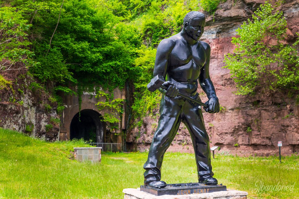 Statue of John Henry