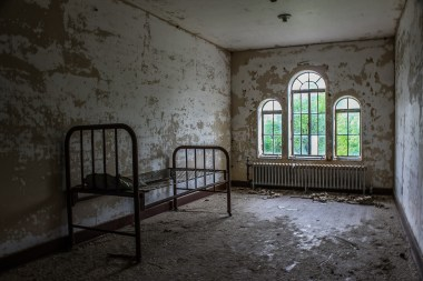 Due to massive overcrowding some patients were forced to live in the attic of the asylum, far away from everyone.