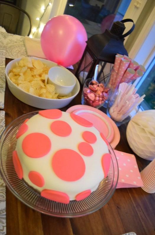 finished polka dot cake setup table 2
