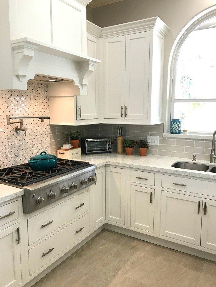 White Modern Farmhouse Kitchen Makeover