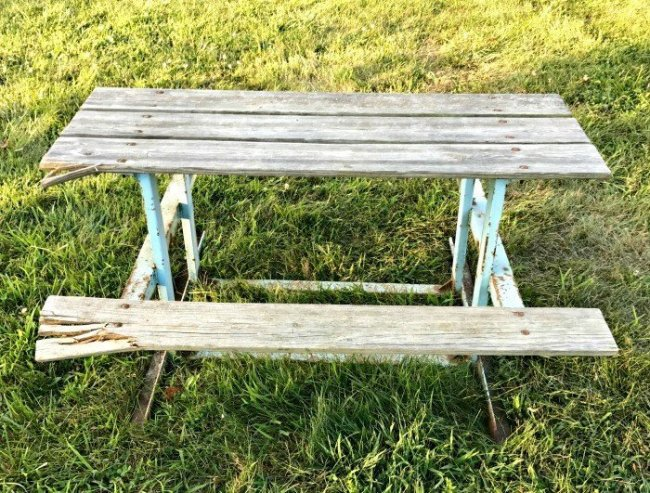 How To Repair That Rusty Metal Outdoor Table