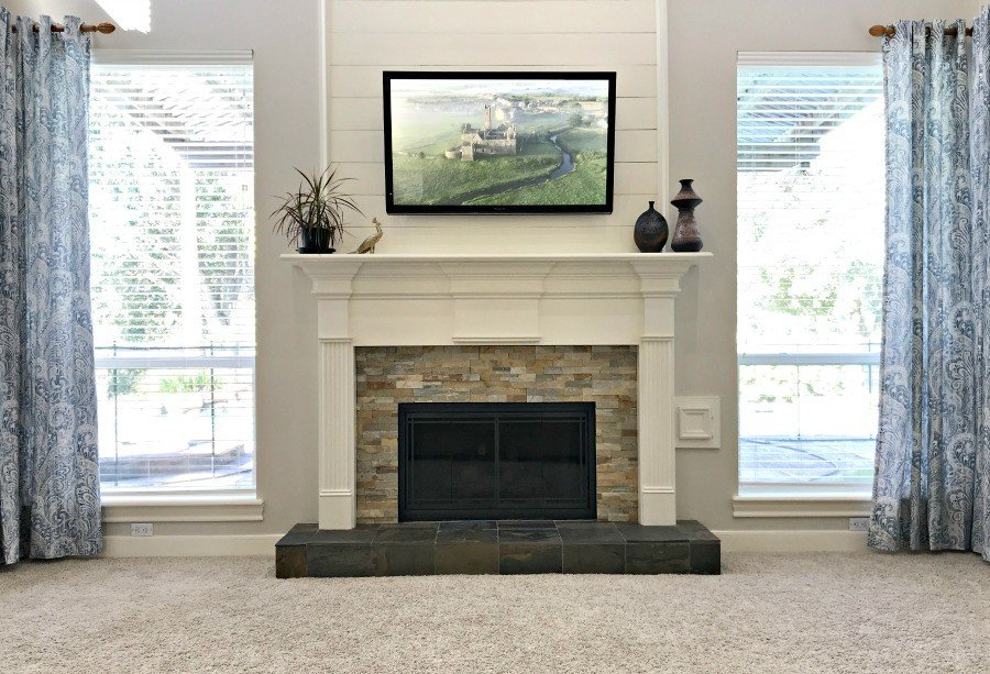 Farmhouse meets Traditional Living Room Makeover
