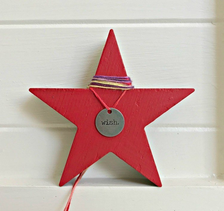 Charm Star Ornament. Need some new ideas for this years Christmas craft? I've got 12 fun and easy handmade Christmas Ornament Ideas for you! Make 3D scrapbook paper trees, pom pom trees, star string art, unicorn stars, and more. #AbbottsAtHome #Handmade #ChristmasCrafts #ChristmasIdeas #ChristmasOrnaments