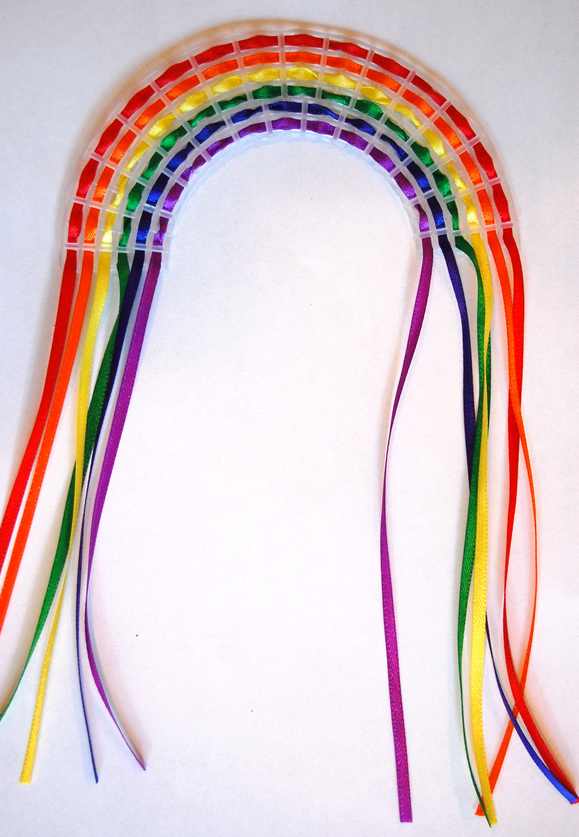 Kid S Craft How To Make An Easy Rainbow Weaving