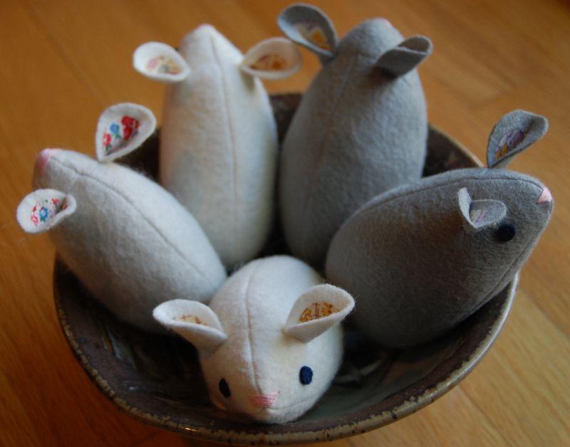 Bowl of mice
