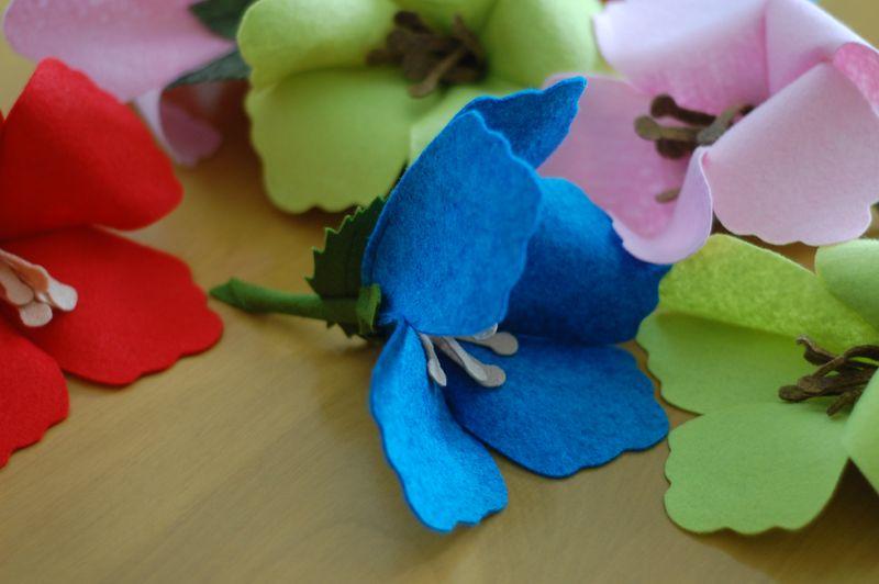 Felt hibiscus flowers