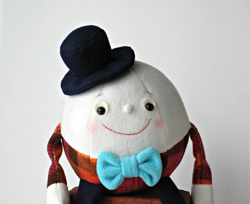 Humpty Dumpty Up Close