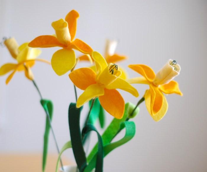 Felt Daffodil DIY
