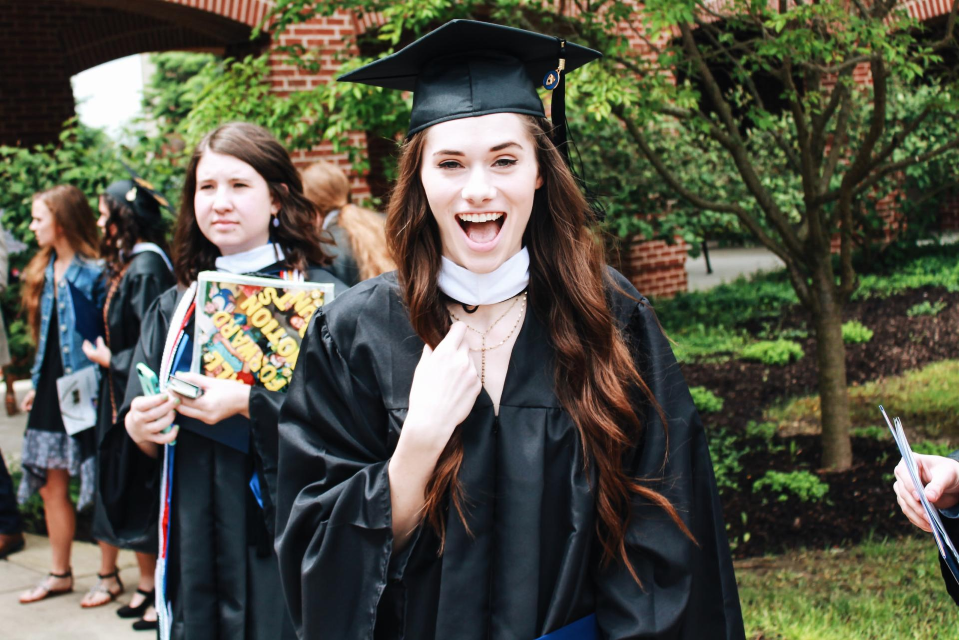 abby saylor i graduated college a reflection on the best 4 after four years of lugging around heavy books spending countless hours in the journalism building and trying to balance college life work life and a