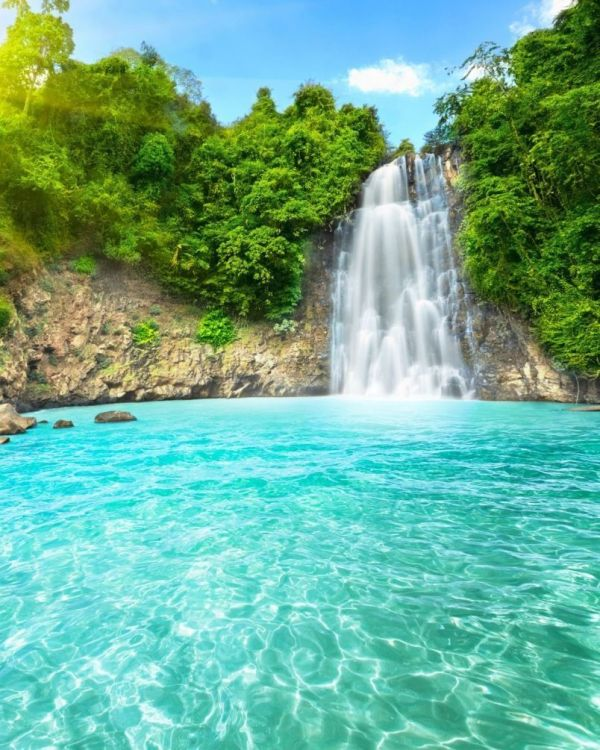 Фотообои Водопад и озеро в горах №5436 купить в интернет ...