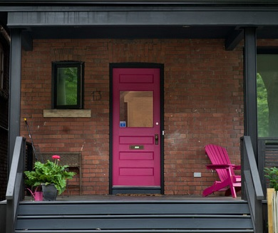 9 Daring Colors for Your Front Door
