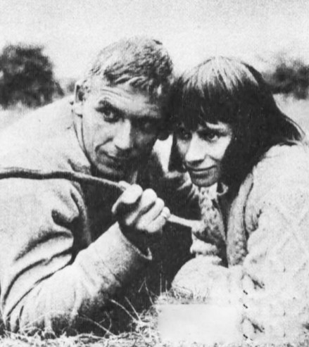 """Alan Dobie and Rita Tushingham, guest stars in The Human Jungle episode """"The Man Who Fell Apart"""""""