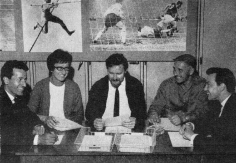 Teddington Sports and Social Club members LOUIS BOTTONE, MARY PEARCE, JOHN P ALDHAM, LES BREWSTER and BRIAN WALLIS