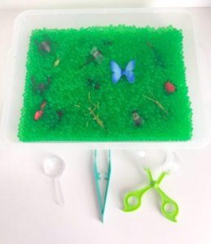 bug water bead sensory bin
