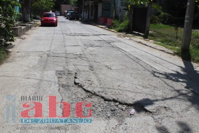 calles-ixtapa-zihuatanejo