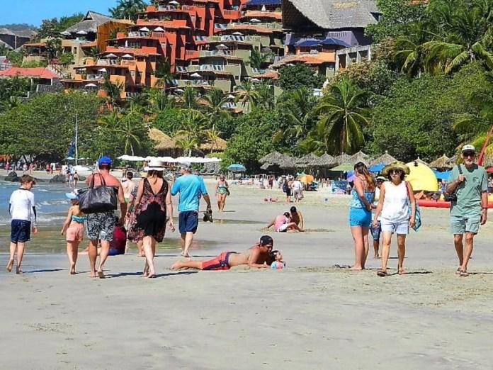aumento-turismo-extranajero-zihuatanejo.jpg