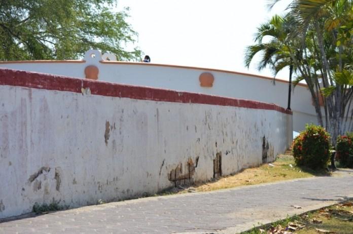 canal-boquita-deteriorado--zihuatanejo.jpg