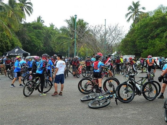 ciclismo-auge-zihuatanejo.jpg