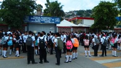 Photo of Maestros toman la Prepa 13 y afectan a más de mil estudiantes