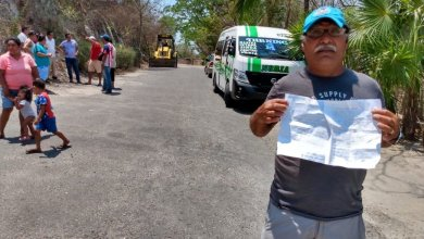Photo of Vecinos del Cerro del Almacén se quejan por bloqueo taxista a unidad de combi