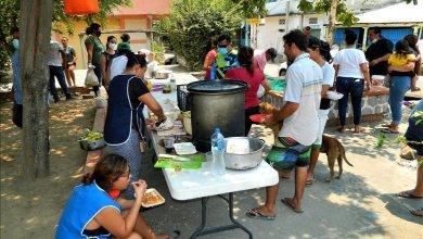 Photo of Vecinos de Agua de Correa donan alimentos a personas necesitadas de colonias