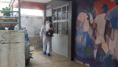 Photo of Fumigan y limpian la Prepa 23 de San Jerónimo de Juárez; buscan evitar contagios por COVID-19