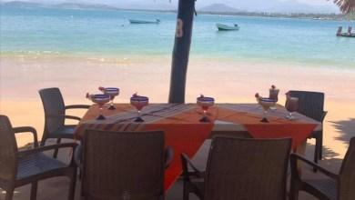 Photo of Debido al mar de fondo, Restauranteros de La Isla de Ixtapa reabrieron hasta ayer Domingo