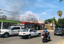 Photo of Corto circuito genera incendio en pizzería frente a la Unidad Deportiva de Zihuatanejo