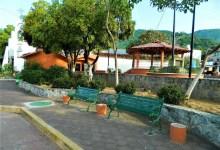 Photo of No han sido repuestos los tejabanes de plaza de Agua de Correa
