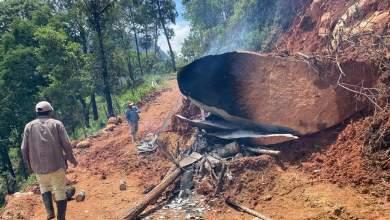 Photo of Ante indiferencia de autoridades, pobladores de la sierra de Tecpan abren caminos con sus manos