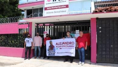 Photo of Militantes de Morena también toman oficinas del INE en Acapulco