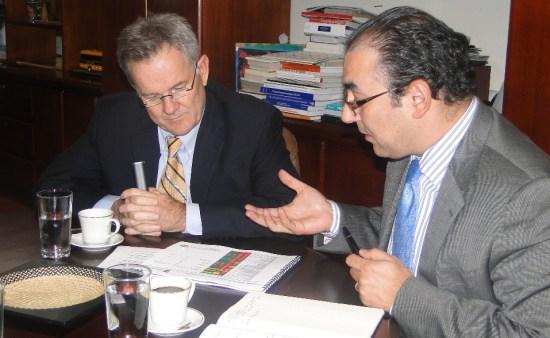 El Ministro Díaz-Granados  junto con el empresario Rushton