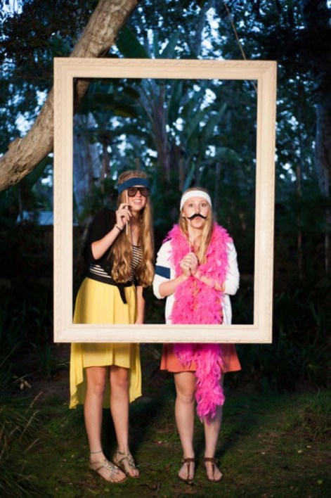 DIY photo booth frame with picture frame