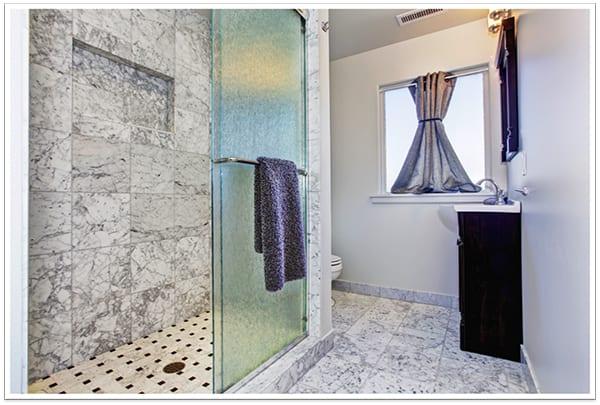 use privacy glass to make a bathroom