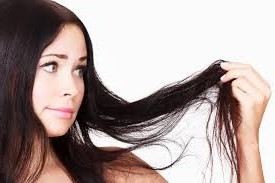 12 Worthful Home Remedies For Dry Hair