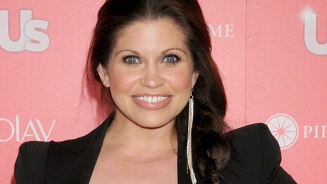 gty danielle fishel wy 121221 wblog Boy Meets Worlds Danielle Fishel Marries Fiance in Los Angeles