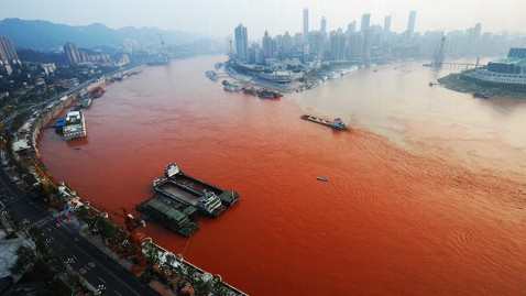 gty yangtze river dm 120907 wblog Yangtze River Turns Red and Turns Up a Mystery