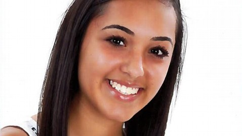 ht elizabeth olivas ll 120531 wblog Star Student in Immigration Flap Will Be Home For Graduation