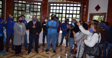 Pensionados de la Sección 31 del SNTE felicitan a Cutberto Chávez