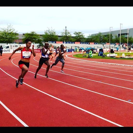 En plein effort du 200m et direction les demi finales avec le second temps des qualifiées pour @neola_orphee et notre coaching @michel_gillot #runninggirl #200m #qualifs #trackandfield #goodjob - from Instagram