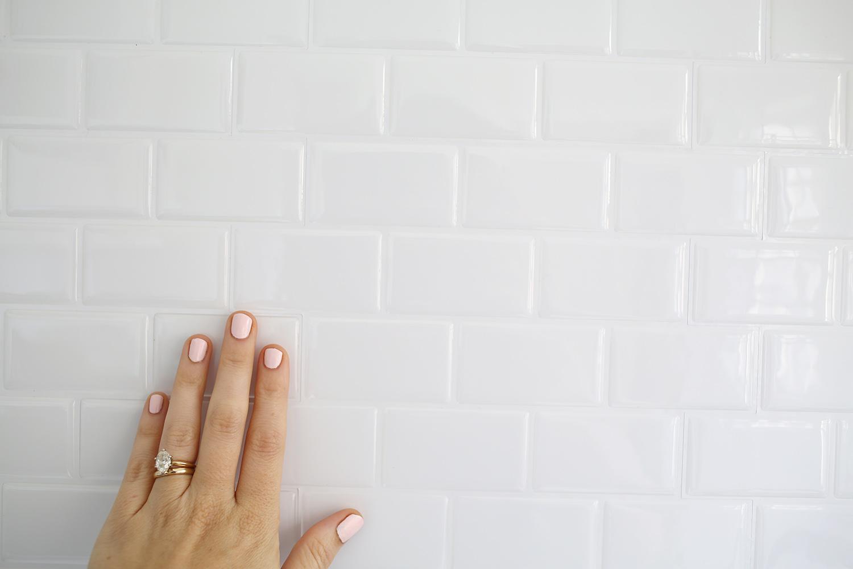 peel stick subway tile