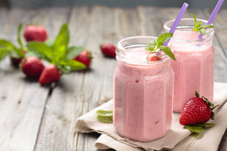 Gluten free vegan strawberry smoothie recipe