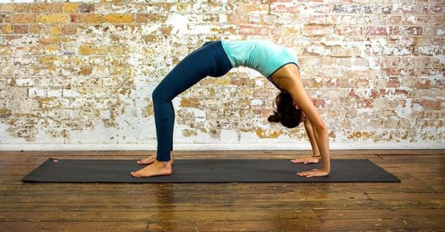 Yoga Poses You Should Try Now to Boost Metabolism and Banish Fat