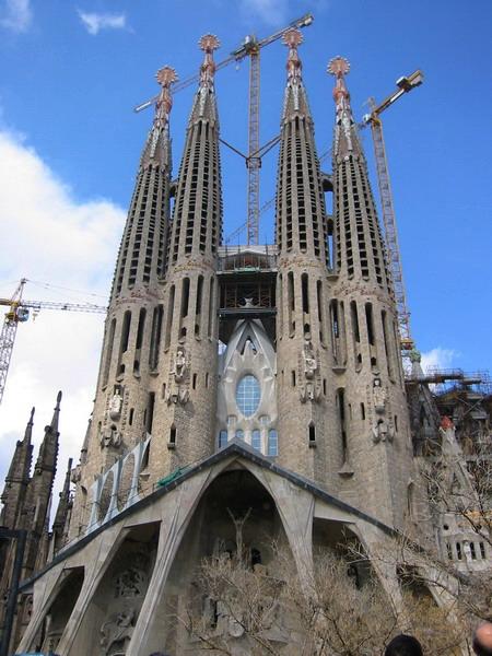 Antoni Gaudí: Templo Expiatorio de la Sagrada Familia (2/6)