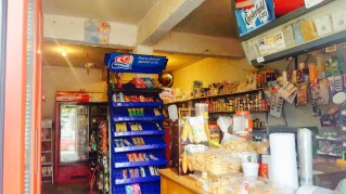 Local Comercial en Funcionamiento, con Clientela y Bien Surtido, con Rentero!