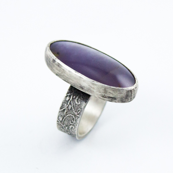 Purple Plume Ivy Ring