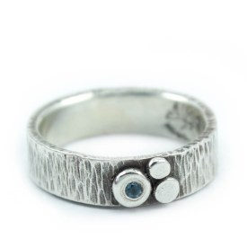 Organic Texture Ring with Gemstone