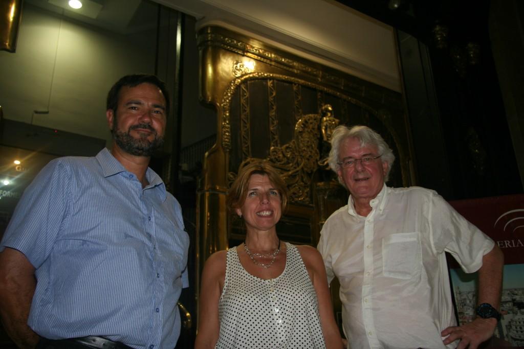 Avec la direction de la Galeria Gemes qui me permit de voir l'appartement de Saint Exupéry